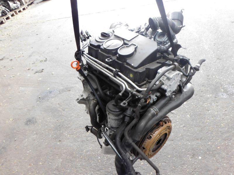 Motor Ein Gewinde abgebrochenVW PASSAT VARIANT (3C5) 2.0 TDI 16V